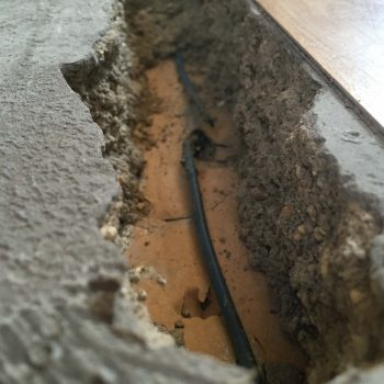Damaged cable in screed underfloor heating